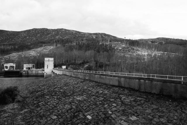 Meig Dam by Lee Jones