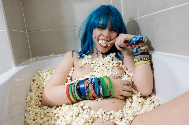 jazzebell_-popcorn-bath-41