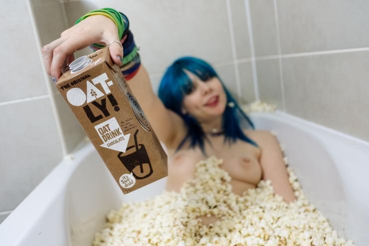 jazzebell_-popcorn-bath-53