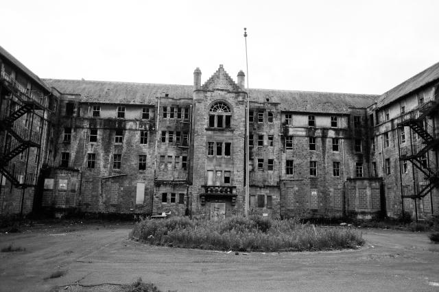 Hartwood Hospital, Amber & Des-5