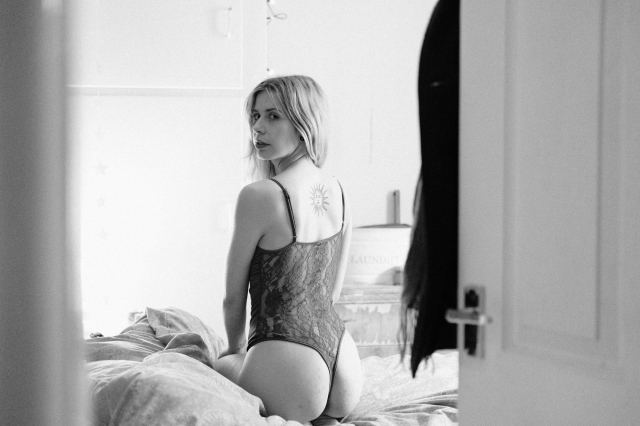 Imogen, Bedroom-bw-38